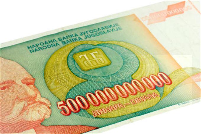 Jak chránit majetek před hyperinflací, devalvací měny a bankovní krizí?
