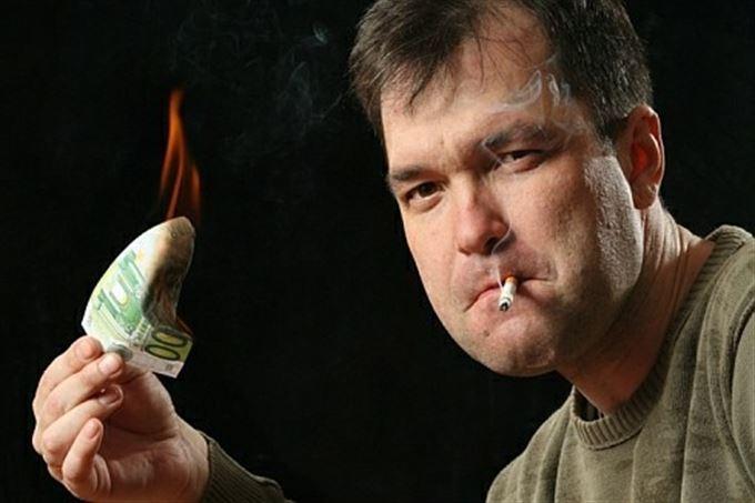 Jak stát (ne)vydělává na kouření