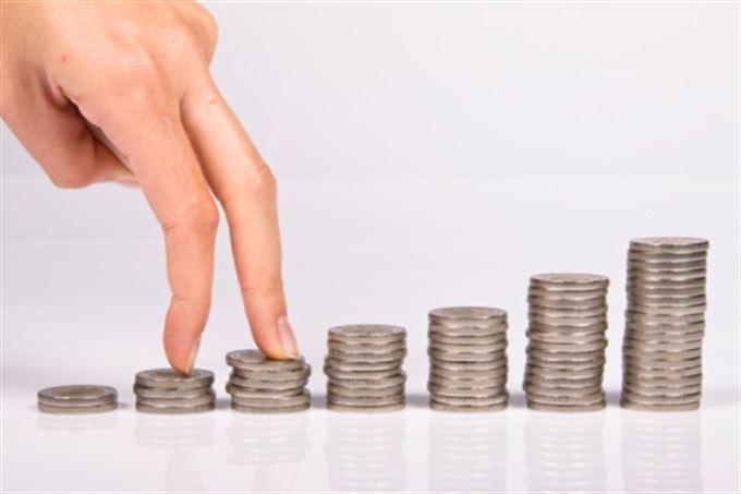 Pravidelné investice: předplácet, či nepředplácet poplatky?