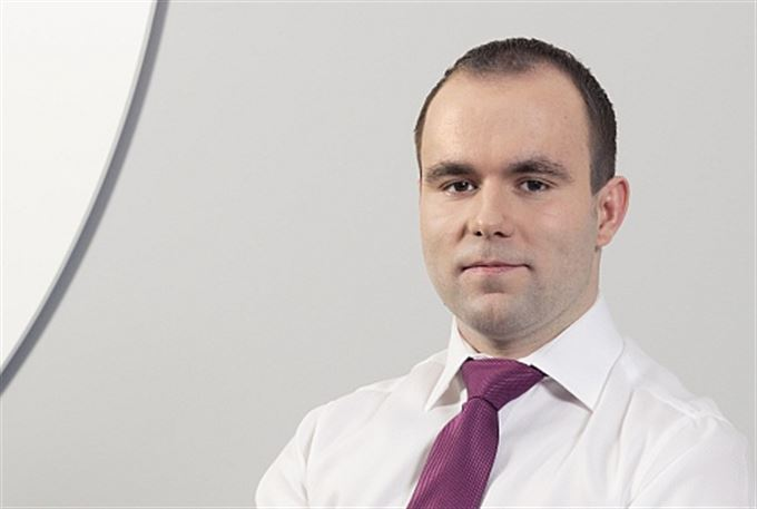 Martin Tománek: Pět procent za fond? Krádež za bílého dne!
