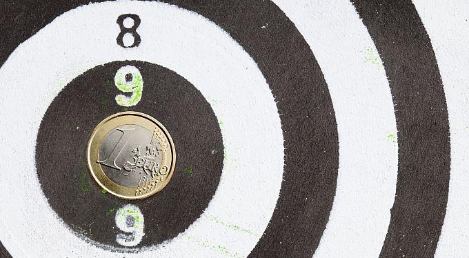 Marketingový fígl na voliče: Koruna, nebo euro?