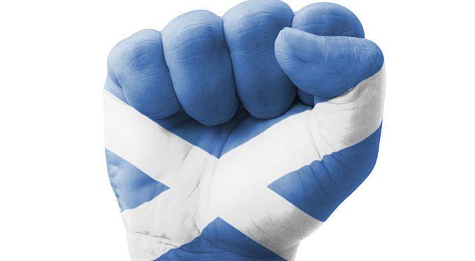 Skotové počítají, kolik stojí nezávislost. Nalijou si čistou skotskou?