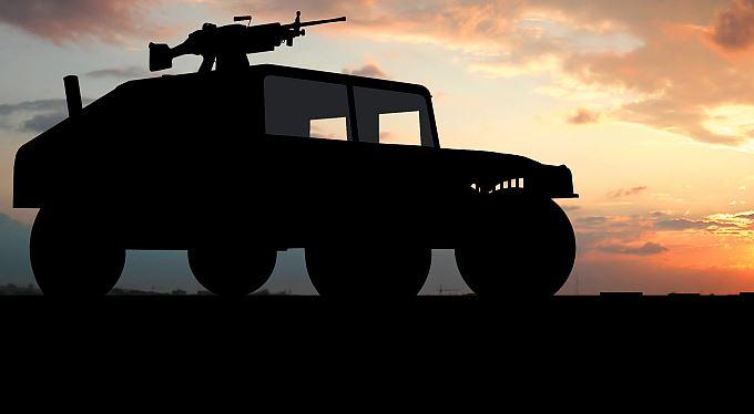 Vystřelte si americkou houfnici! Je k mání na irácké pouti