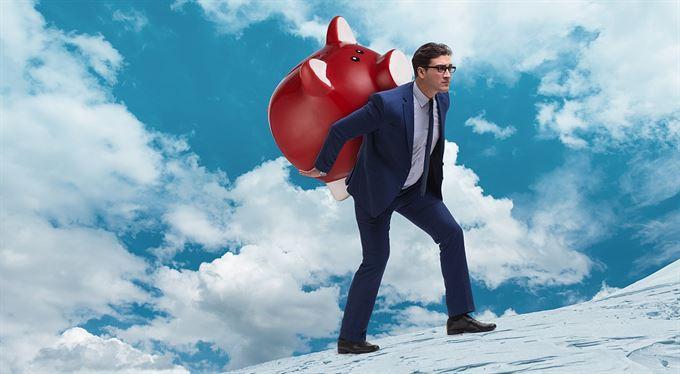 Malý akciový přehled: Srovnání výkonnosti, rizika a ocenění trhů