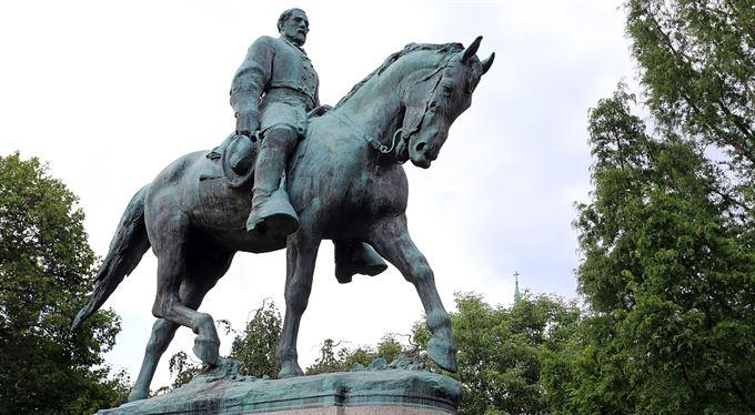 Americká válka o pomníky