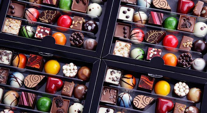 Náhodně vybíraní zastupitelé a stroj, který kazí čokoládu