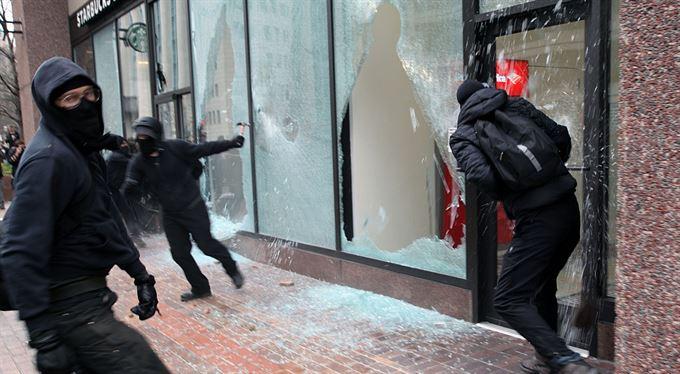 Bojovat proti rasismu násilím?