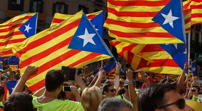 """Katalánci chtějí nezávislost. A také """"své"""" peníze"""