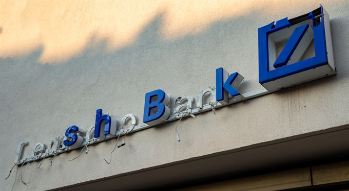 Deutsche Bank propustí desítky tisíc lidí. Už nechce být hamižná